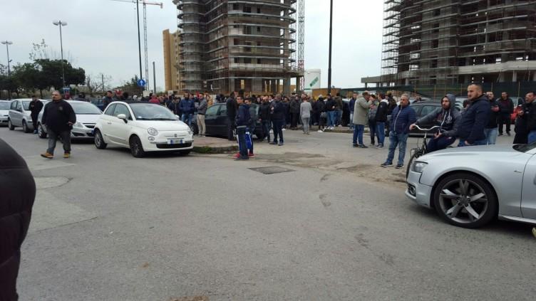 FOTO – Raduno ultras all'Arechi, i tifosi chiedono di entrare - aSalerno.it