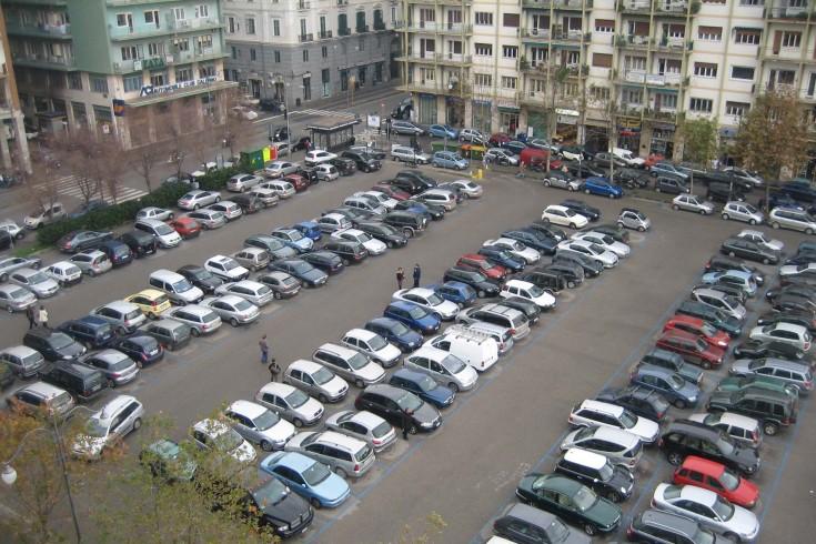 """Parcheggiatori abusivi: in manette il """"sistema"""", in alcuni spazi si muovono i """"cani sciolti"""" - aSalerno.it"""