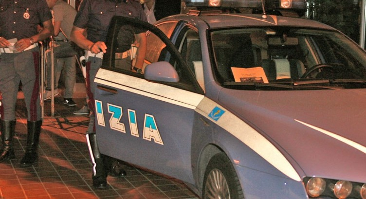 Tenta di rubare all'interno di un'auto parcheggiata, arrestato 27enne salernitano - aSalerno.it