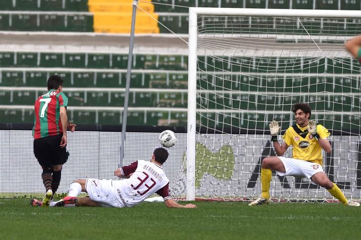 Ternana-Salernitana: primo tempo 3 a 0, la difesa granata fa acqua - aSalerno.it