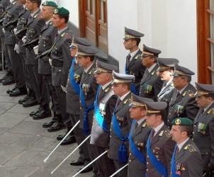 SAL - 28 06 2011 Caserma Giudice via Duomo 237° anniversario della fondazione del corpo della Guardia di Finanza nella foto il picchetto d onore ed alcuni militari distintisi per operazioni di servizio (Foto Tanopress)