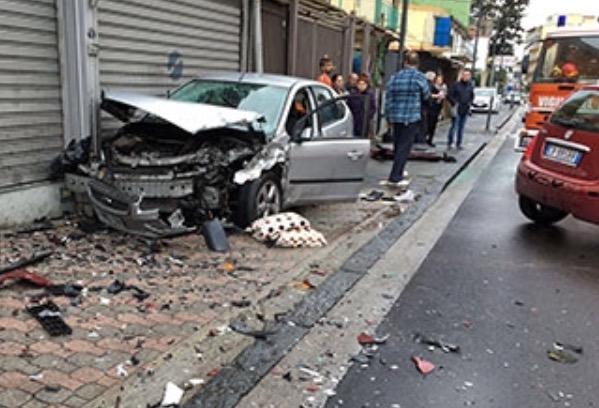 Terrificante incidente d'auto a Nocera Inferiore:coinvolti due giovani - aSalerno.it
