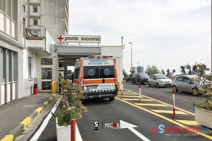 Impatto tra scooter e auto in Corso Italia, ragazzo al Ruggi - aSalerno.it