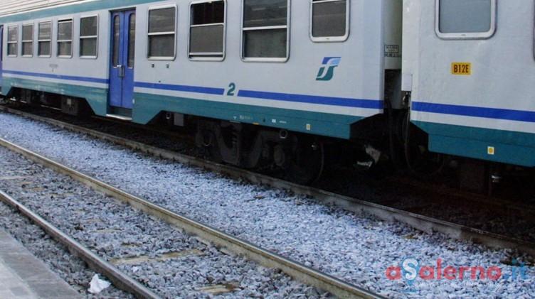 Odissea Milano-Salerno, cinque ore sul treno fermo: niente cibo e bagni guasti - aSalerno.it