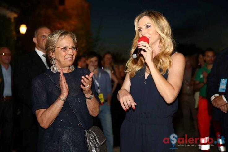 Lorella Cuccarini inaugura il nuovo reparto di radioterapia pediatrica - aSalerno.it