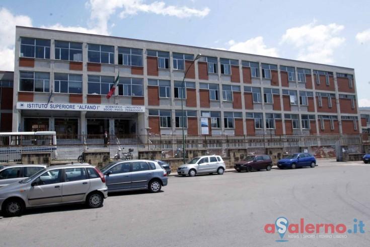Caso Covid al Pio XII, sindaco chiude la scuola materna per due giorni, allagato l'Alfano I - aSalerno.it