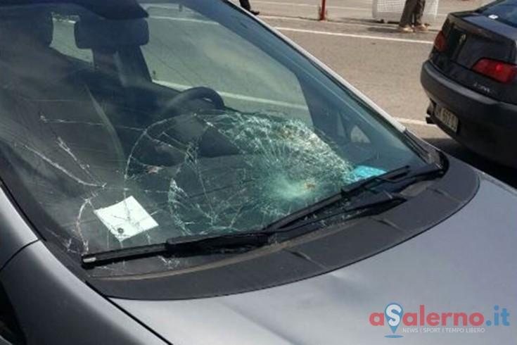 FOTO – Impatto tra auto e motorino in via San Leonardo, 20enne trasportato al Ruggi - aSalerno.it