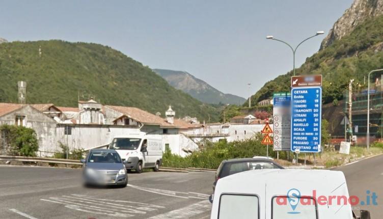 Incidente sulla strada tra Vietri e Salerno, 19enne salernitano in rianimazione - aSalerno.it