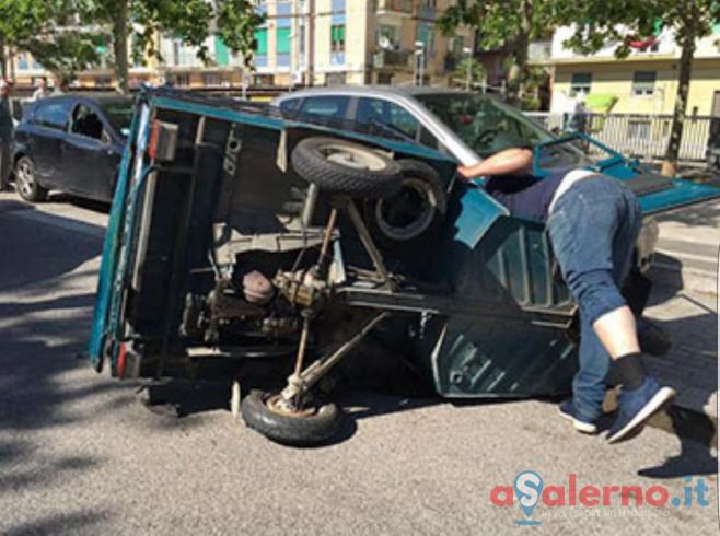 Incidente in via Irno, coinvolto un Apecar - aSalerno.it