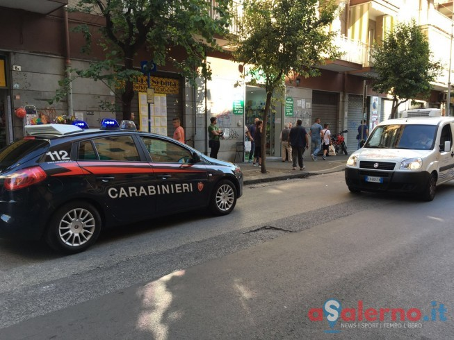 LE FOTO – Ferito commerciante a Torrione, titolare di una profumeria trasportato in ospedale - aSalerno.it