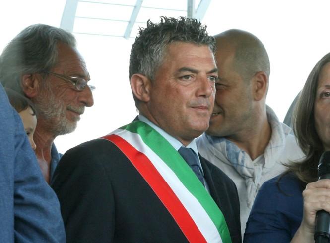 Consigliere Ventura smentisce frasi razziste contro i senegalesi - aSalerno.it