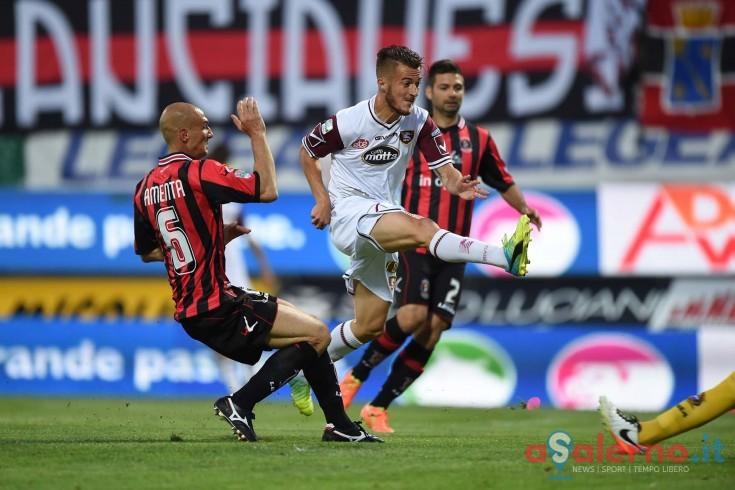 Granata in vantaggio per 2 a 1 a Lanciano, decidono Donnarumma e Zito - aSalerno.it