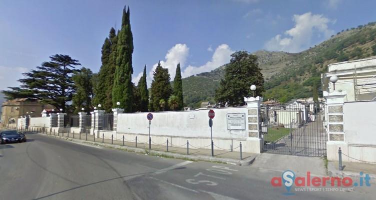 Mercato San Severino, nuova ordinanza: nel cimitero di Costa vietati fiori freschi - aSalerno.it