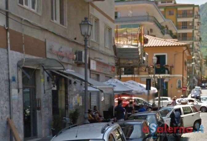 Cava de'Tirreni, bomba carta fatta esplodere davanti un noto bar di via Mandoli - aSalerno.it