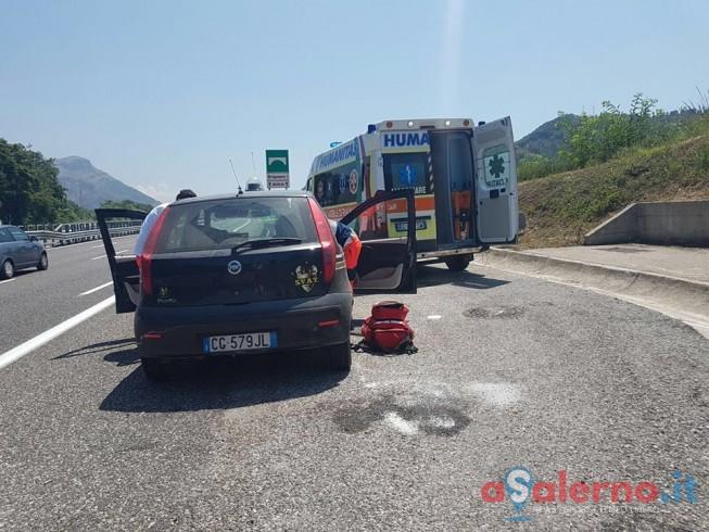 Salerno, avverte un malore in auto: soccorso un uomo in autostrada - aSalerno.it