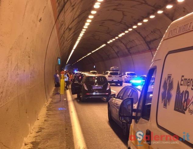 Incidente sulla Salerno-Reggio Calabria, tre auto coinvolte e 6 feriti - aSalerno.it