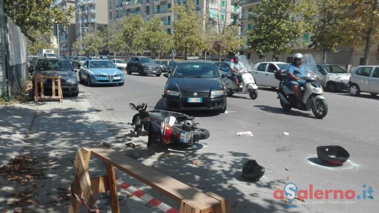 Violento scontro tra auto e scooter sulla Lungoirno - aSalerno.it