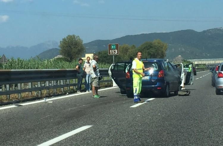 FOTO – Incidente sull'A3 all'uscita di Pontecagnano, traffico in tilt - aSalerno.it