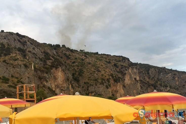 LE FOTO – Incendi nel Cilento, vanno a fuoco ettari di terreno - aSalerno.it