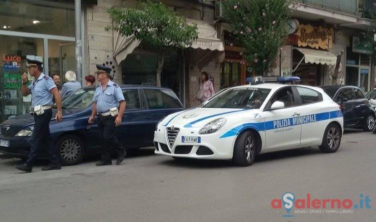 Salerno, litiga con i vigili urbani a causa di un verbale - aSalerno.it