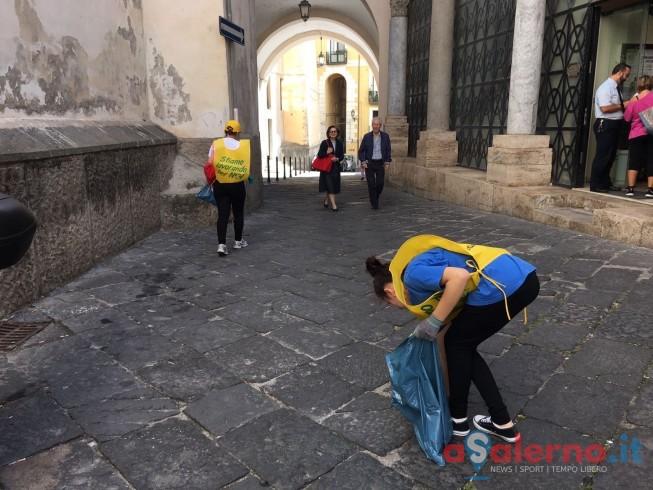 """LE FOTO – """"Puliamo il mondo"""".. parte dal centro storico di Salerno - aSalerno.it"""