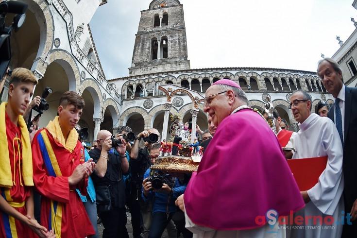 """San Matteo senza gonfalone e """"fascia"""" del Comune, il caso in commissione Trasparenza - aSalerno.it"""