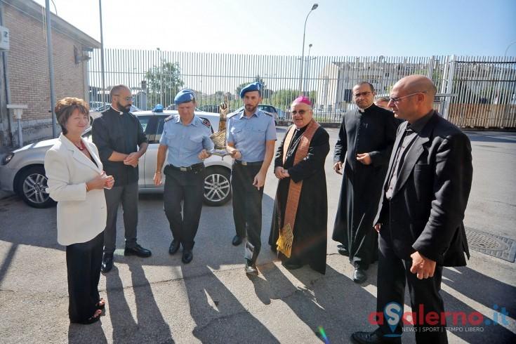 LE FOTO – Il Vescovo Luigi Moretti fa visita ai detenuti di Fuorni - aSalerno.it