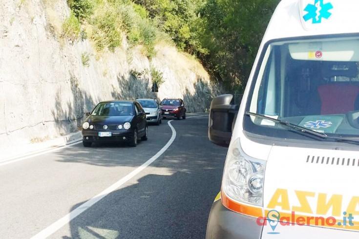 Incidente ad Erchie in costiera amalfitana tra moto e auto, grave 16enne - aSalerno.it