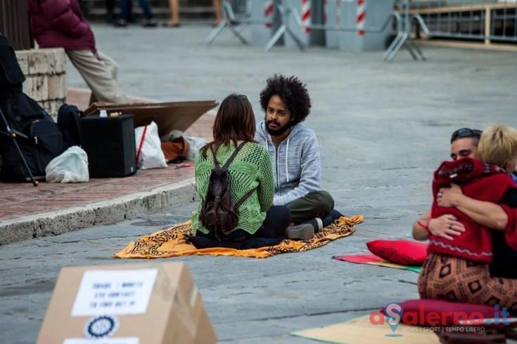 Guardarsi negli occhi anche con sconosciuti, arriva a Salerno l'esperimento sociale mondiale - aSalerno.it
