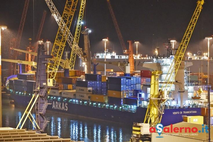 La prima nave carica di ecoballe è partita dal porto di Salerno - aSalerno.it