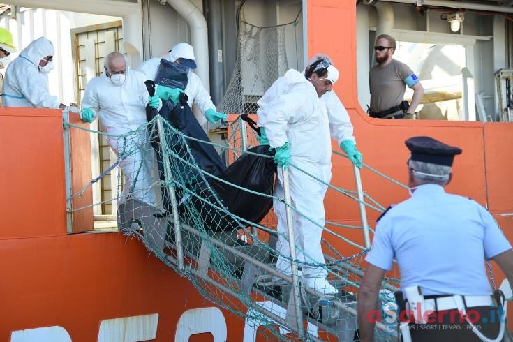 Sbarco a Salerno, fermate 8 persone: possibili scafisti? - aSalerno.it