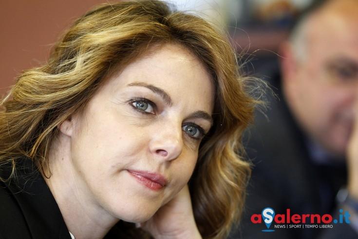"Claudia Gerini ""accenderà"" le Luci d'Artista - aSalerno.it"