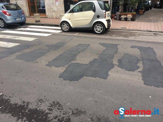 Subito ripulito l'asfalto in via Silvio Baratta – FOTO - aSalerno.it