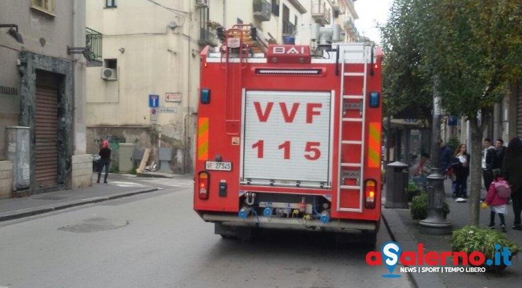 FOTO – Fuga di gas in uno stabile sul Carmine, intervengono i Vigili del Fuoco - aSalerno.it