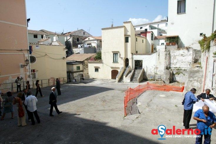 Largo Barbuti non è più tutta area pubblica, Comune perde causa con una famiglia salernitana - aSalerno.it
