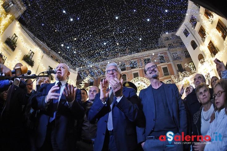 """De Luca accende le Luci e """"spegne"""" i cafoni: """"Ci sarà più lavoro e turismo per Salerno"""" - aSalerno.it"""