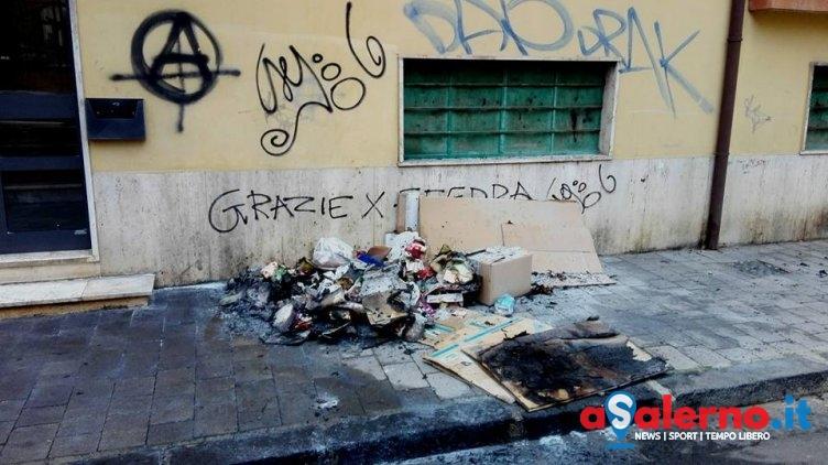 Notte di paura a Battipaglia, in fiamme immondizia e portoni - aSalerno.it