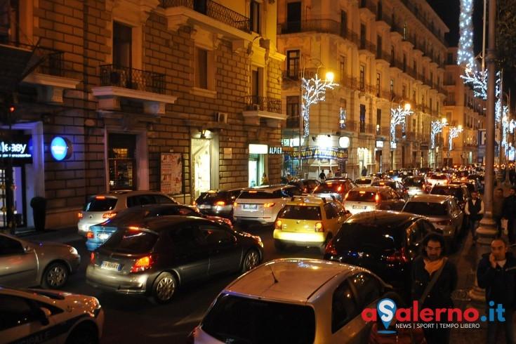 Luci d'Artista, boom di presenze per il weekend: attivo il piano mobilità - aSalerno.it