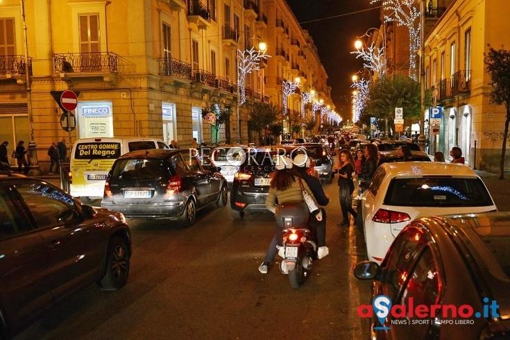 Faceva da un anno il parcheggiatore abusivo in via Roma, arrestato Giuseppe Pastena - aSalerno.it