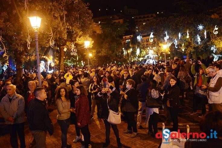 """Turisti """"sfrenati"""" in Villa Comunale, intervengono i vigili urbani - aSalerno.it"""