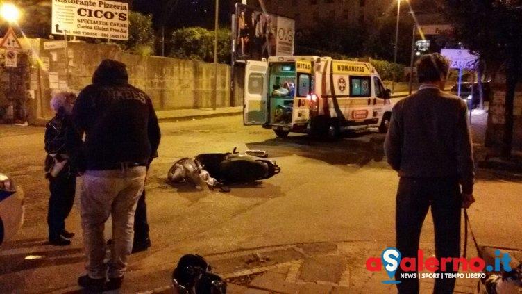 Incidente in via Picarielli, impatto tra auto e motorino – FOTO - aSalerno.it