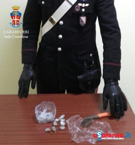 Fermata dai Carabinieri giovane spacciatrice, 18enne nascondeva hashish e cocaina - aSalerno.it