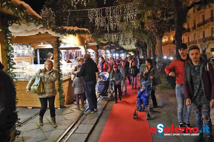 Strage di Berlino, i mercatini di Salerno sospendono le attività in segno di lutto - aSalerno.it