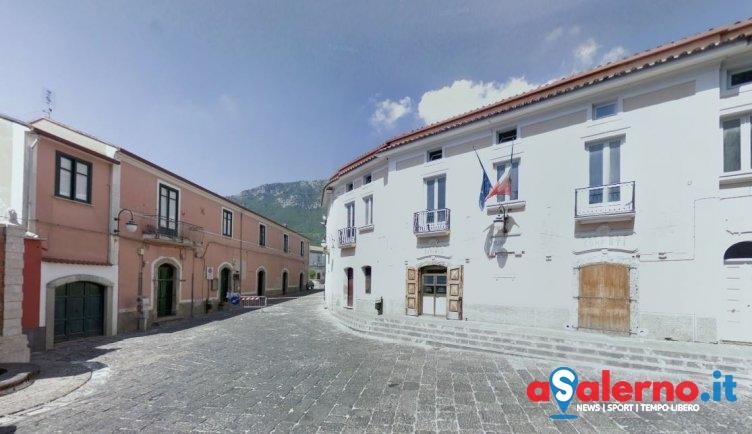 Shock a Calvanico, 47enne si impicca in uno stanzino nell'androne del suo palazzo - aSalerno.it