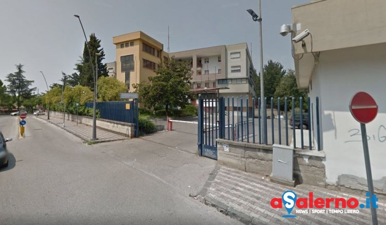 Prende la pistola e si spara davanti la caserma, Carabiniere si toglie la vita a Battipaglia - aSalerno.it