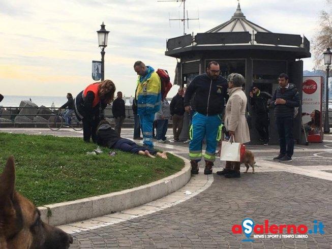 Ragazza in stato confusionale su Lungomare Trieste, intervengo vigili e Misericordia - aSalerno.it