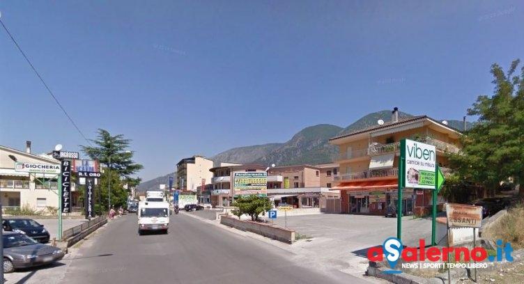 Minacciano commessa con un coltello, rapinato un negozio di abbigliamento a Sala Consilina - aSalerno.it