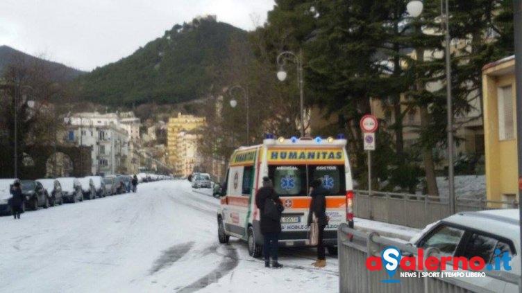 Trincerone, scivola sul ghiaccio e si ferisce: Humanitas sul posto - aSalerno.it