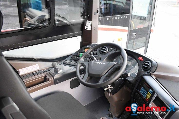 Accende solo il bus prima di partire: aggredita autista di Busitalia in servizio sul 13 - aSalerno.it
