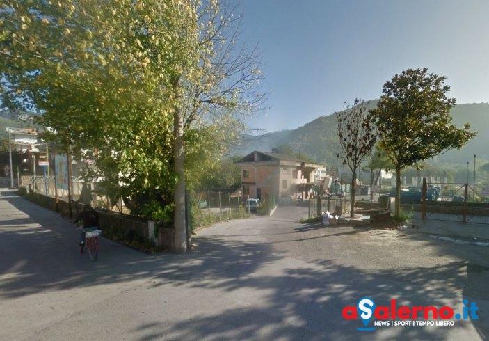 Siano, in fiamme rifiuti al centro raccolta in viale Europa - aSalerno.it